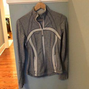 Lululemon fitted jacket size 6